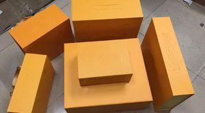 La venta del nuevo Marmont Mujeres cintura empaqueta la caja de regalo con la tarjeta Accesorios Certificado de facturas # 3558