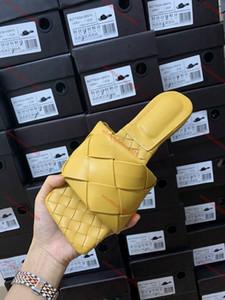 2020 HOT New Designer Luxusdesigner Damen Mode Perle Sandalen Dame Hausschuhe Sommer-beiläufige Hausschuhe Flip Flops flachen Sand Schuhe