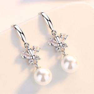 h2KTs giapponese e la farfalla orecchio d'argento di modo semplice coreano S925 earringsstud micro-intarsiati zircone arco orecchini di perle temperamento g