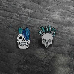 Skull Pin Human head Skeleton Crystal column Enamel Pin Badge Punk Halloween Brooch for Women Men Bag Hat Clothes Collar