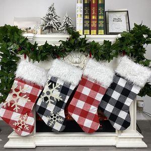 Bolsa de tela escocesa de Navidad Medias caramelo del regalo del árbol de navidad colgando colgante Feliz Navidad Decoración Creativa Inicio partido de los ornamentos EWC1358