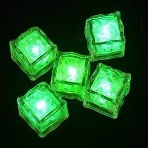 مضيئة مكعب LED آيس كيوب الاستشعار المياه تغيير مكعبات LED الاصطناعي آيس كيوب رومانسية الوهج الجليد فلاش حزب الخفيفة لوازم DHD1274