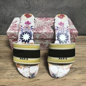 Kadın Paris İşlemeli Çiçek Terlik Yaz Plaj Sandalet Slayt Bayanlar Flop'lar Terlik Konfor Güzel scuffs Slipper çevirin