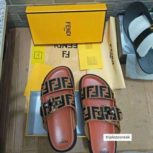 Benzer 44 Erkek Kadın Tasarımcı Ayakkabı Lüks Slayt Yaz Moda Geniş Düz Kaygan ile Kalın Sandaletler bul