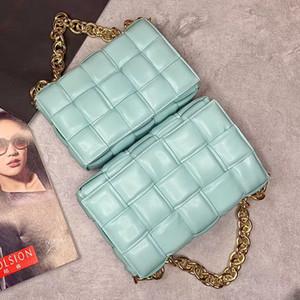 Kadın Metal Zinciri Kayış yastıklı Kaset Çanta Gerçek Buzağı deri Kadınlar Çantalar, içinde için toptan 2020 Yeni Stil Moda Çapraz vücut Çanta