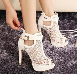 Мода Sexy Белый Черный шнурок выдалбливают Peep Toe Ботильоны пряжки металла пяток дышащий Chic Свадебная обувь 2 цвета Размер EU 34 до 39