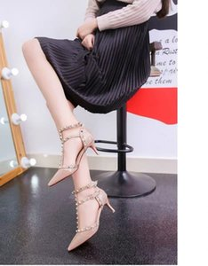 2019 Spring new pointy high heels fashion rivet sandals sexy T type buckle shows thin women shoes cs03