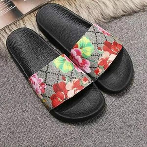 2020 New Womens Slippers Luxury Mens Designer Shoes Tiger Flower strawberry Printed Sandals Beach Slide Summer Fashion Slippers Indoor Shoes