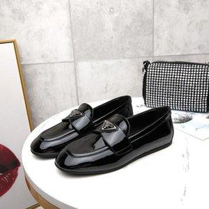 scarpe di vestito di cuoio singolo scarpe di vernice Mocassini moda scarpe di cuoio accessori logo delle donne calde