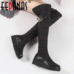 Femme Fedonas long chaud Bottes d'équitation d'hiver Nouveau Bottes de neige classique Femmes Big Taille Over The Knee High Party Chaussures Femme C4rT #