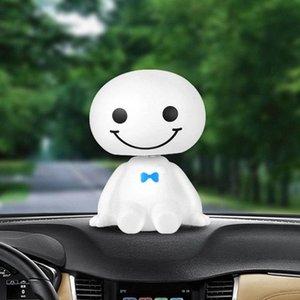Desenhos animados do carro de plástico da cabeça do robô bonito Shaking Doll Decoration Auto Interior Painel Bobble Head Brinquedos ornamento Acessórios PVUV #