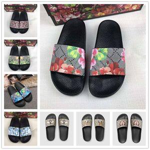 2020 Yeni Gelenler Womens Yaz Sandalet Plaj Slayt Casual Terlik Bayan Comfort Ayakkabı Deri Çiçekler Arı 36-45 yazdır