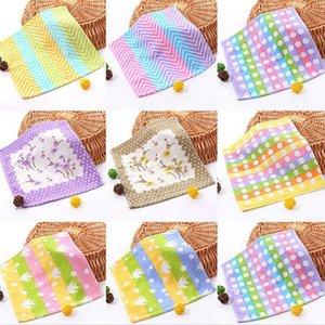 Historieta de la impresión de algodón multi-patrón suave del bebé toalla de mano del bebé de enfermería saliva toalla absorbente toalla cuadrada impreso