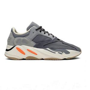 İndirim 700V3 Azael Beyaz Glow Mens Kanye West Karbon Parlak 700 V3 Runner Kutu Boyutu 36-47 ile Spor Sneakers Koşu Ayakkabıları