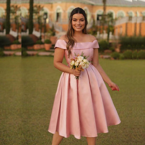 Custom Made Homecoming Dresses A Line Short Bridesmaid Dresses Bateau Neck Pleat Satin Skirt Maid of Honor Gowns Cocktail Party Dresses