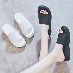 2020 estate nuovo cuoio genuino di Sandals suola spessa casuale scarpe sandali usura esterna delle donne spiaggia della focaccina popolare online slip-on tutto-fiammifero