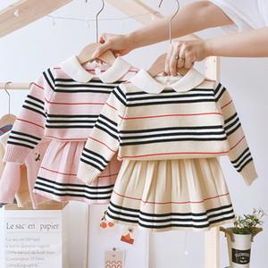 Girls Fall Designer Outfits Bambini Set di abbigliamento a quadri lavorato a maglia Abbigliamento per bambini Striscia a maniche lunghe a maniche lunghe + Gonne pieghettate 2pcs Suits S648