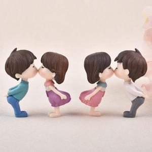 1pair Sweety Lovers Petit Couple Figurines Miniatures mignon Gnome Moss terrariums Résine Artisanat Fournitures de jardin de fées