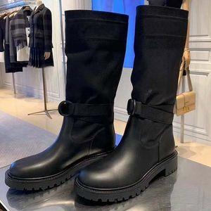 Diseñador de las mujeres de lujo Martin botas de alto nivel Moda Desert Boot punta redonda plana del talón botas de otoño e invierno de la nieve de arranque tamaño 35-40 con la caja