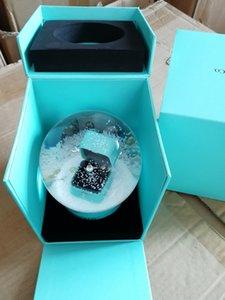 ЛУЧШИЙ VIP Gift Golden Snow Globe с Ring Box Внутри Snow Crystal Ball для дня рождения новизны Рождество с коробкой