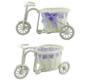 Blanc bricolage en plastique Tricycle vélo fleur Panier de bicyclette Conteneur usine Accueil Wedding Party Couronnes Décoration