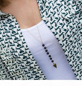 Neue Lava-Rock-Korn Pfeil Quaste Wesentliche lange Halskette Aromaöl Diffusor Halskette Black Lava hängende Halskette Schmucksachen für Frauen