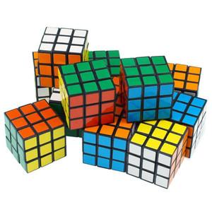 Intelligenz spielt Cyclone Jungen Mini Finger 3x3 Geschwindigkeits-Würfel Stickerless Finger Magic Cube 3x3x3 Puzzles Spielzeug DHC1436