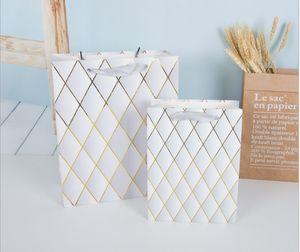 Bronzante Étoile Gift Paper Bag, sacs Cothing blanc Parti des sacs de jour du mariage de Noël au chocolat packagin 96pcs Cadeau / lot