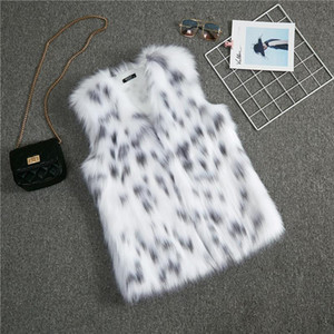 2020 white Women's Vests Outerwear Coats Artificial fur raccoon hair Vest Fashion short made in China Party dinner Clothing Apparel