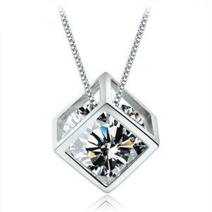 le style populaire amour Cube diamant carré féminin choker Rubik collier pendentif japonais et coréens