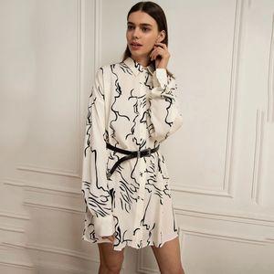 T9zvx Haoduoyi einfache Persönlichkeit pendelt Stil unregelmäßige Muster Druckhemdkleid Langarm-Shirt Art loses Kleid 2020