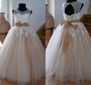 2021 Champagne Tulle First Communion Dresses Ribbon Bow Beads Boat Neckline Ivory Lace Flower Girl Dress For Wedding Party Birthday Gowns