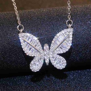New Fashion Zircon Rhinestones Butterfly Pendant Necklace For Women Trendy Ladies Chain Necklace Charm Jewelry Party Gift