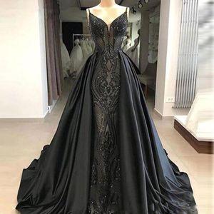 2020 Long Black Vintage Vestidos Spaghetti Lace Mermaid cetim sobre saias Até ao chão Partido Prom Vestidos túnicas de sarau