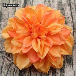 Kyunovia 5PCS / lotto Grande Dahlia testa di fiore artificiale 15CM Dia Fiore di seta Wedding Flowers parete partito decorazione domestica floreale decorativo KY43