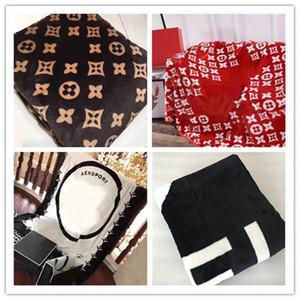 cadeau NOUVEAU! 5 Styles Throw Toison Rouge Doux Noir Blanc Couverture 150x200cm C de style S pour Office Accueil Voyage Nap Sommeil Couverture
