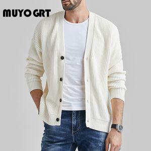 MUYOGRT Otoño 2020 Nuevo V-cuello de los hombres de Cardigan suéteres Delgado botón sólido suéter de lana de cintura fina capa de la capa genuino de los hombres