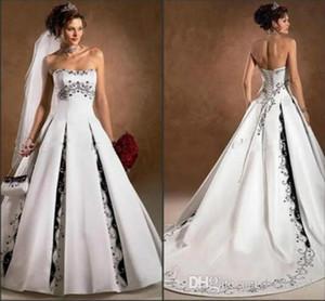 2020 Black and White Brautkleider trägerlos mit Appliqued A lineschleifezug Backless Charme Kirche Hochzeit Brautkleider nach Maß