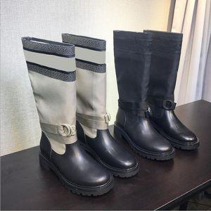 Оригинальный стиль Горячая Dl0RBRANDS 2020 Новый Cowhide колющие Летающие Вязать носки обувь Женщины Платформа Martin голеностопного загрузки Mid-тюбик Knight Boots