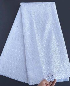 blanc pur broderie oeillet Intricate dentelle suisse coton africain voile poli vrai couple élevé tissu de dentelle qualité 5 verges souples