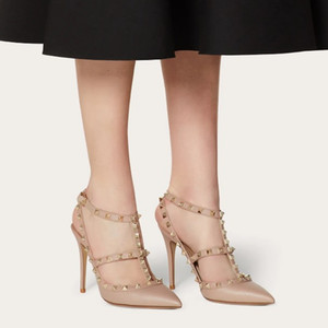 Kadınlar Kaya Stiletto Topuklu Sandal T-Strap Slingbacks Düğün Perçinler Patent Deri Saplama 10 cm 8 cm 6 cm Yüksek Topuklu Sandalet Pompaları