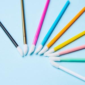 Por atacado de moda descartável Lipbrush Hot Selling 50pcs ferramentas sólidas Bar Lip Gross Escovas da vara de beleza para Beauty Salon Spa