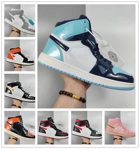 2020 Классические 1s Мужчины Женщины Баскетбол Спортивная обувь Марка Скейтборд обувь Мода высокой верхней кожи OG вскользь плоские туфли 36-44