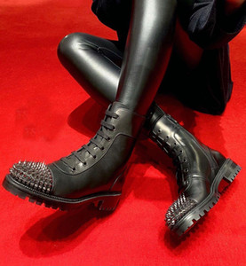 أزياء الشتاء TS CROC أحذية نسائية الأحمر أسفل الكاحل سيدة الجوارب السوداء جلد العجل مع المسامير الأحمر الوحيد أحذية والأحذية دراجة نارية