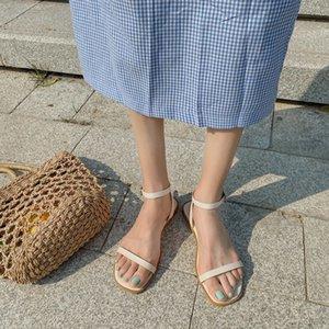 2020 Verão Bege Heeled Sandals Venda de sapatos femininos Limpar Salto da bracelete Lady Black Ladies Gladiator Sandals Mulheres