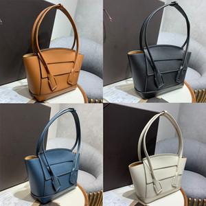 2020 Pele Nova Wax Oil Mulheres Hangbag Moda Feminina de mão nas axilas Bag Couro pequeno Messenger Bag Ombro Arco Bag