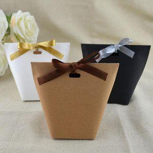 50PCS 빈 크래프트 종이 가방 화이트 블랙 캐디 백 웨딩 리본으로 선물 상자 포장 생일 파티 장식 가방을 부탁