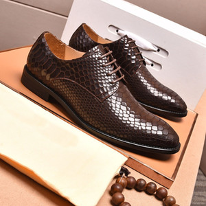 Casual uomini del cuoio genuino fannulloni business formale Snakeskin pattini di vestito del progettista di marca Classic Oxford formato 38-45