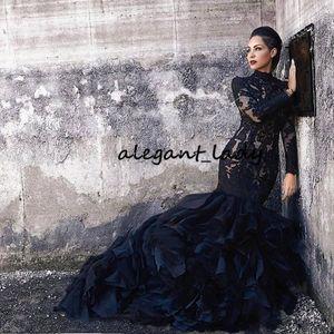 Della sirena del merletto nero Abiti da sposa con maniche lunghe collo alto Ruffles Skirt donne non bianche LDS gotiche Abiti da sposa con colore Couture