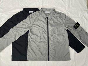 2020 Avrupa klasik sokak ceketler erkekler naylon kumaş Kol mektup nakış OEM çift cep tasarımı su geçirmez overshirt Retro erkek ceketi